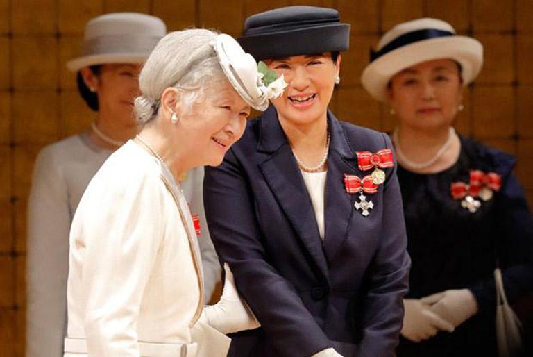 2018年、日本赤十字大会で、美智子さまは、「次の総裁はこの人」と雅子さまを紹介。雅子さまは15年間ぶりの出席でした。(写真:日本赤十字社提供)