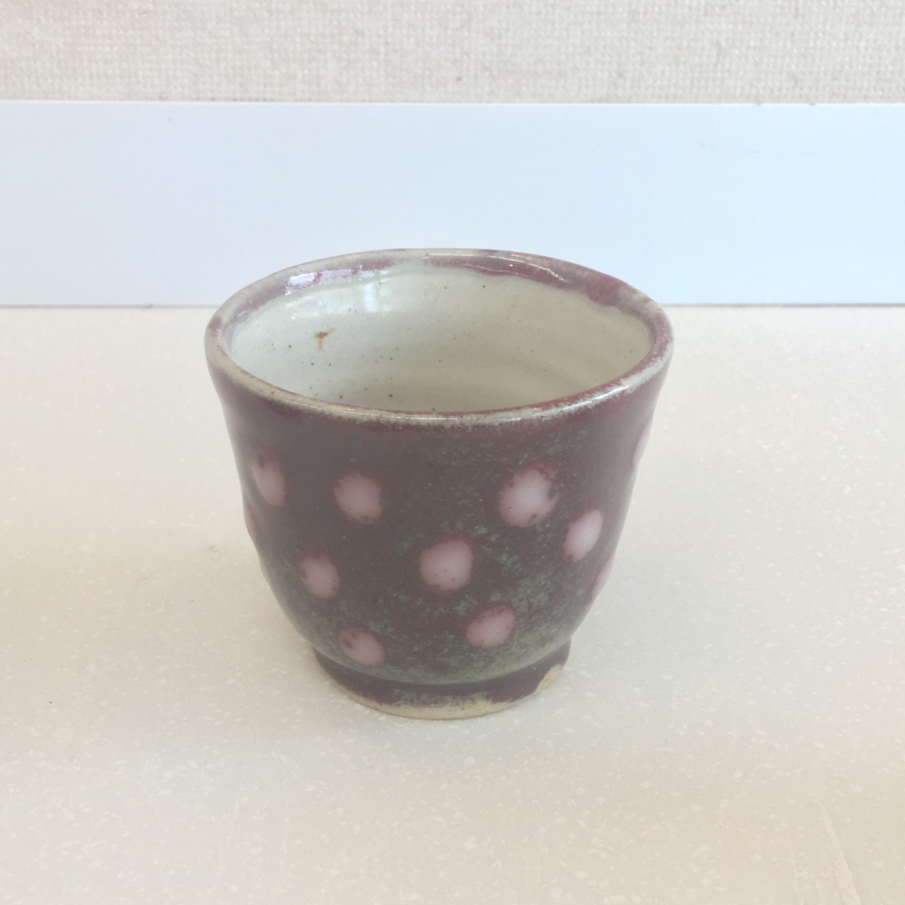辰砂釉に志野釉の水玉